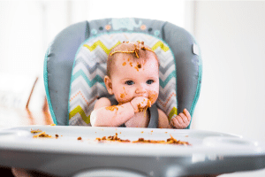 baby eating spaghetti with BLW