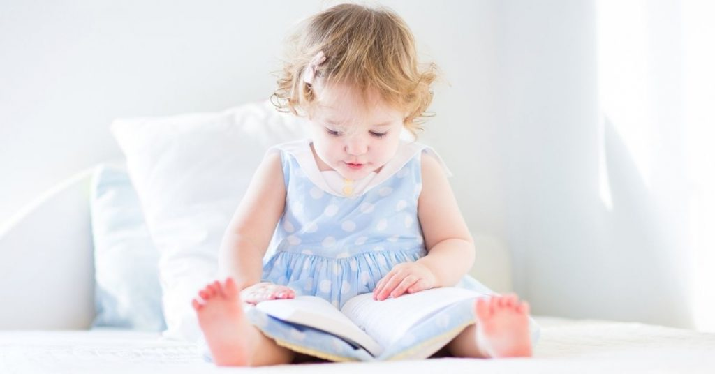 keep toddlers busy at home