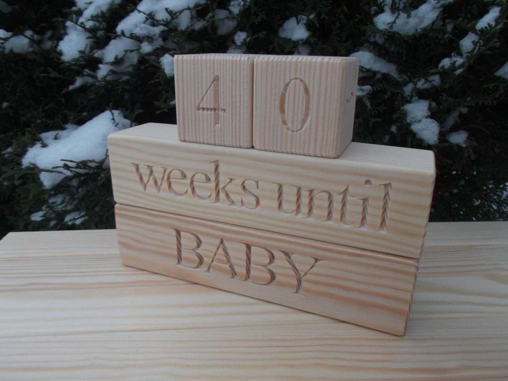 pregnancy announcement countdown blocks